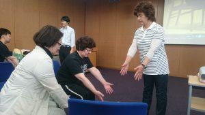 グループに分かれて講師役の実践